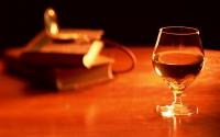 С элитного алкоголя снимут пятый пункт