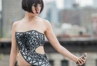 Телефоны будут моделировать и продавать уникальные платья