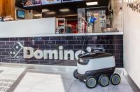 Шутки кончились, роботы повезут пиццу