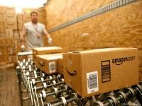 Amazon заменяет сезонных рабочих роботами