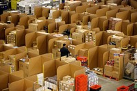 Amazon наймёт перед Рождеством 70 тыс. временных сотрудников