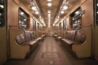 Витрины в метро подешевеют
