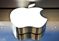 """Apple отобрала у российского ИМ """"яблочные"""" домены"""