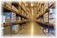 Федеральная мультиканальная розничная сеть обзаводится собственными складами