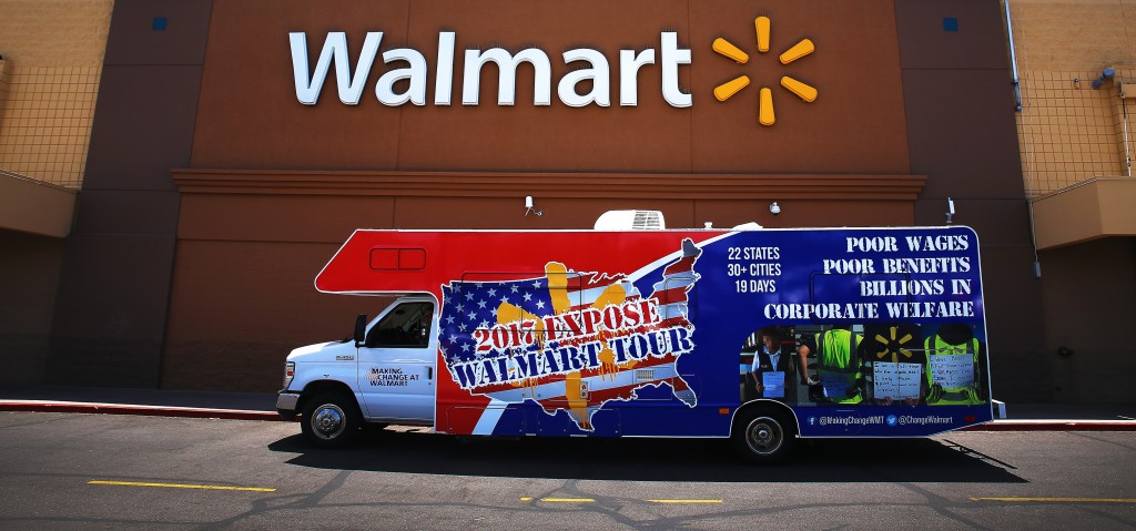 Сотрудники Walmart сами доставят заказы