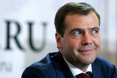 "Медведева торопят ввести ""налог на AliExpress"""