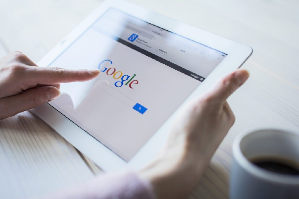 Google: 65% пользователей используют и компьютер, и смартфон