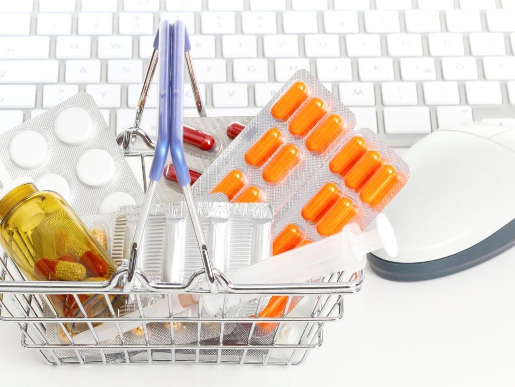 За какими лекарствами идут в Рунет?