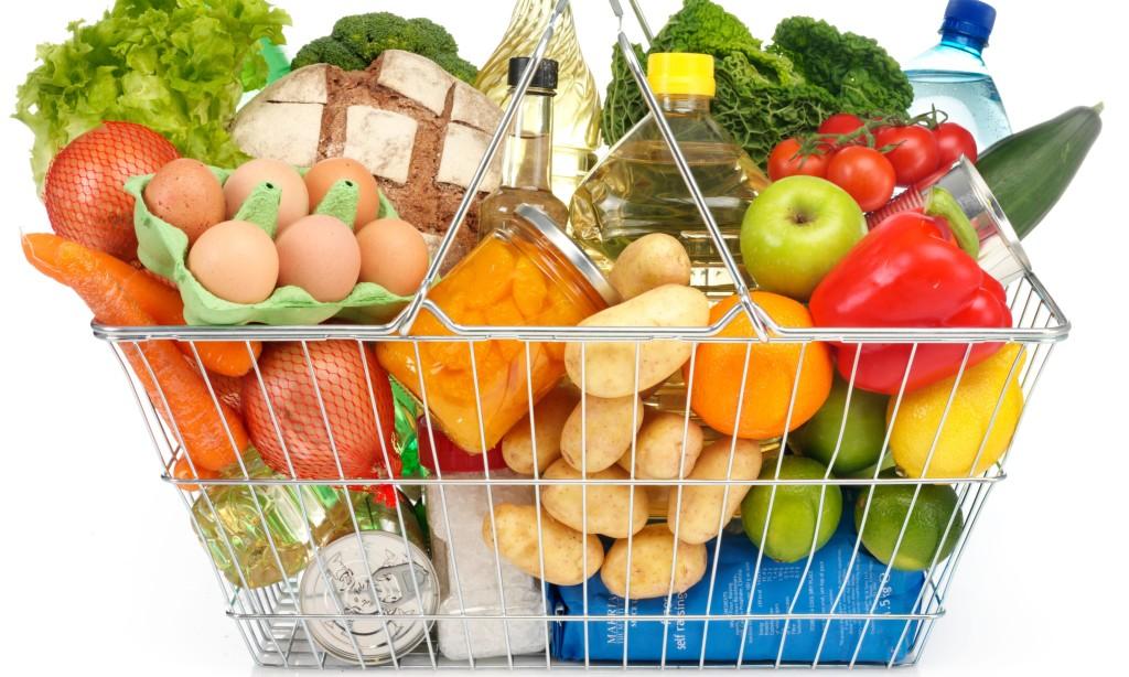 Москвичи рассказали, почему покупают продукты в Сети