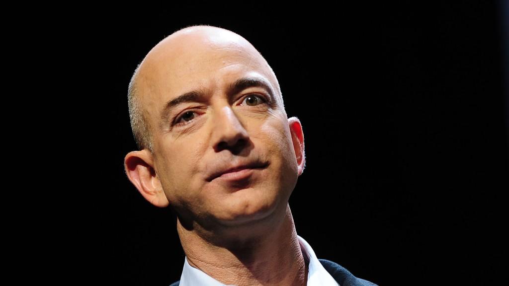 Главу Amazon Джеффа Безоса шантажируют интимными фотографиями