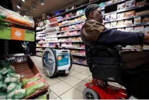 """""""Где у него кнопка?"""" В Париже тестируют """"рободоставку"""" продуктов из супермаркетов"""