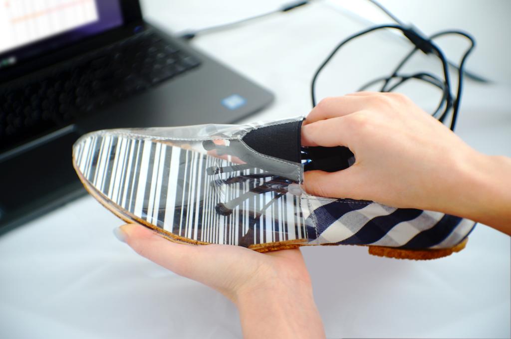 В ногу со временем: как устроена виртуальная примерка обуви у FITTIN