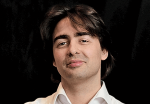 Бас Годска присматривается к российским стартапам