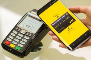 Телефон вместо карты: россияне осваивают бесконтактные платежи
