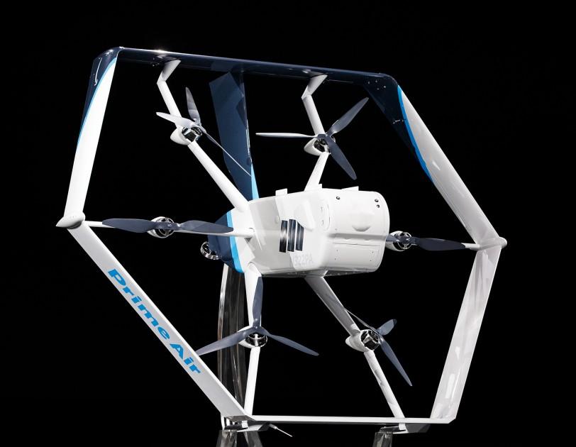 Amazon показал шестиугольный дрон для доставки (видео)