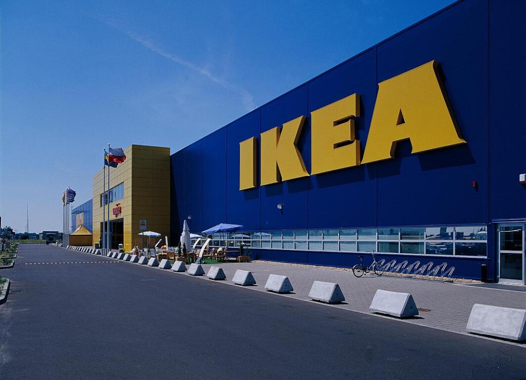 IKEA обставила типовые квартиры виртуальной мебелью