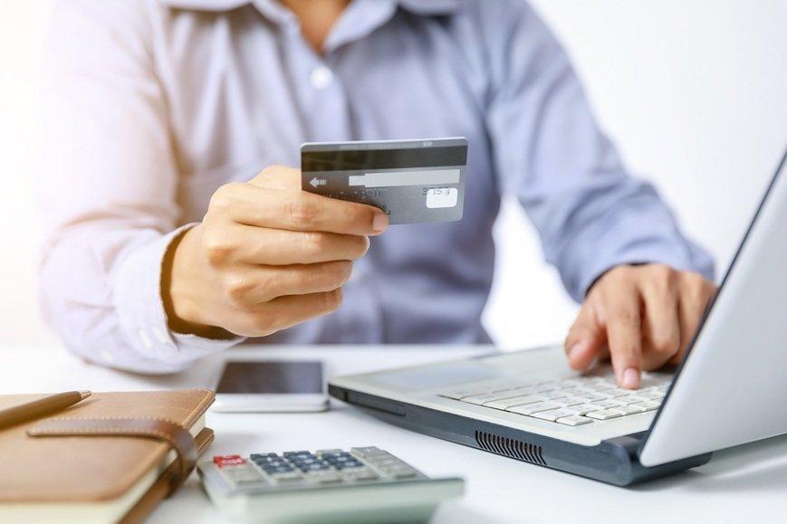 Онлайн-кредиты: начинают с электроники, а заканчивают косметикой