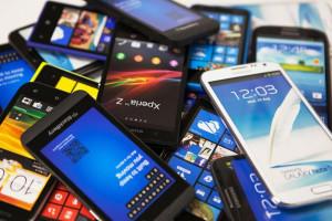 Рынок смартфонов оживили флагманские модели