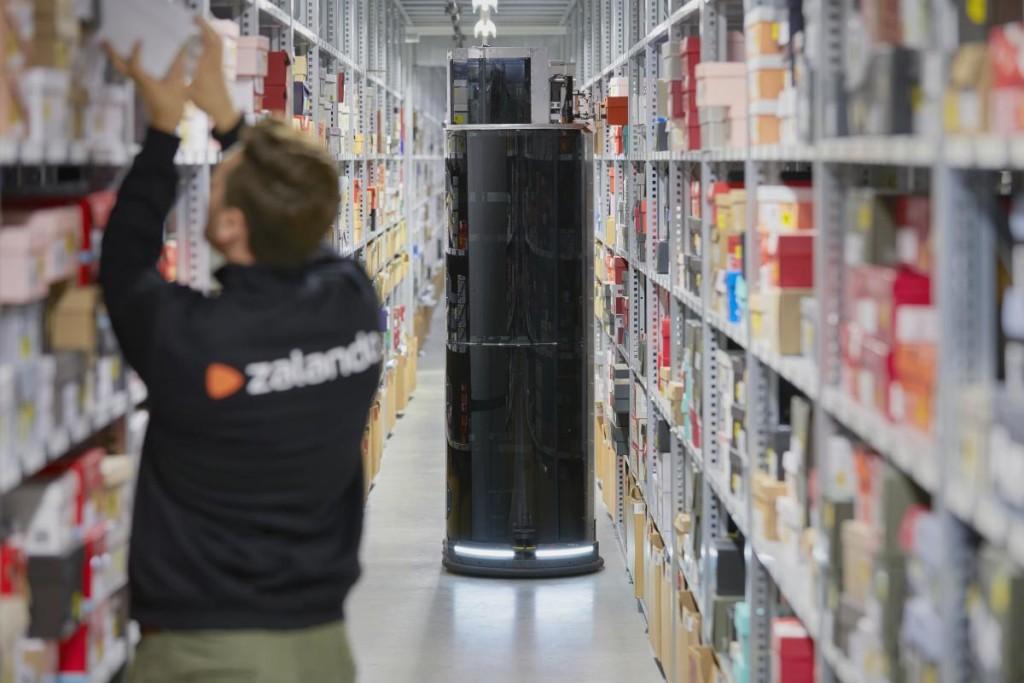 Роботы соберут онлайн-заказы в Zalando (+видео)