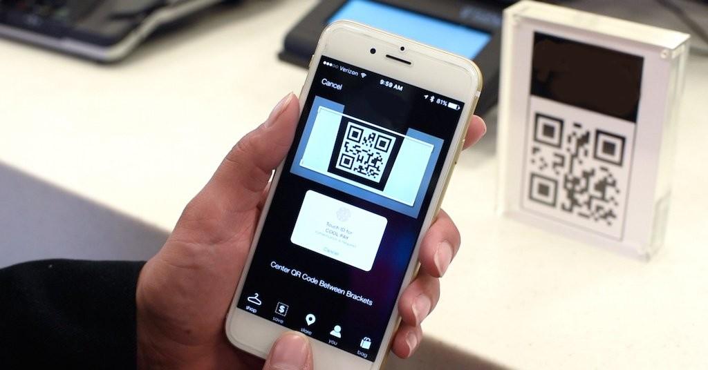Первую реальную покупку по QR-коду в России сделали в 220 Вольт