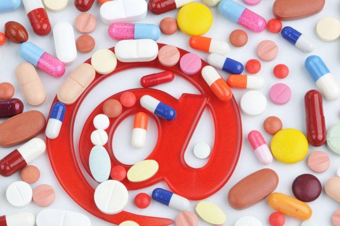 Минздрав может допустить рецептурные лекарства в Интернет