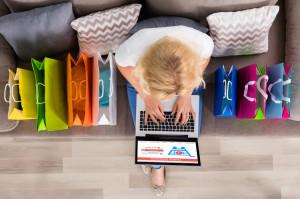 Во Всемирный день шопинга россияне потратили в интернете в 17 раз больше обычного
