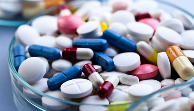 Онлайн-магазинам отказали в лекарствах