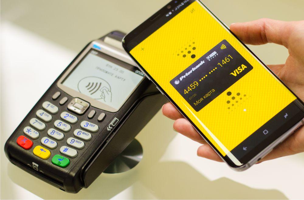 Бесконтактные платежи увеличивают средний чек