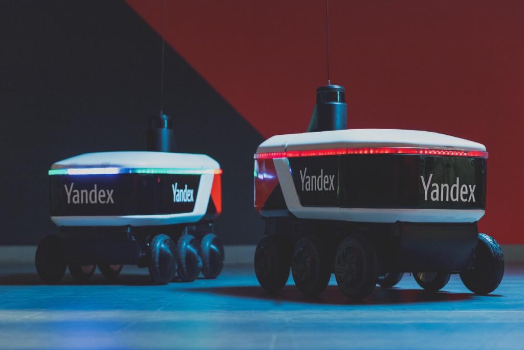 Яндекс тестирует доставку с помощью робота