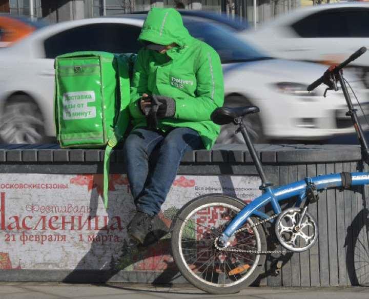 Курьеров в Москве не ограничивают в передвижениях