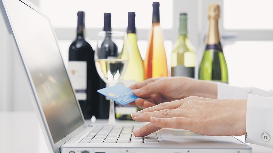 Минфин предлагает разрешить онлайн-торговлю алкоголем