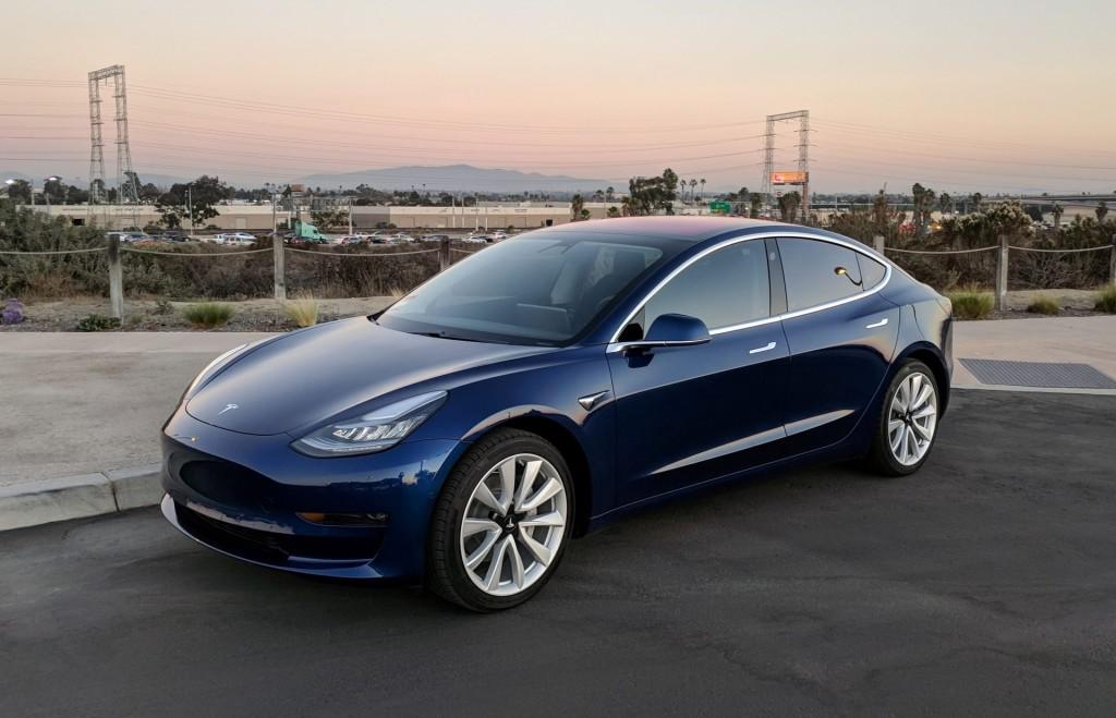 Tesla открыла магазин на Taobao