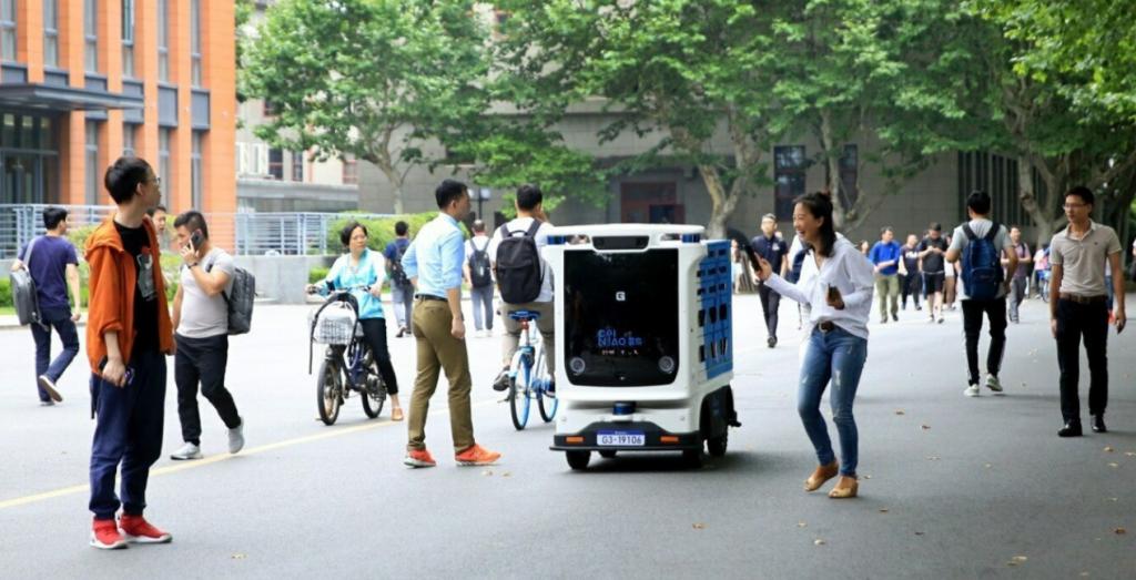 Alibaba снова выпустила на улицы беспилотников для доставки заказов