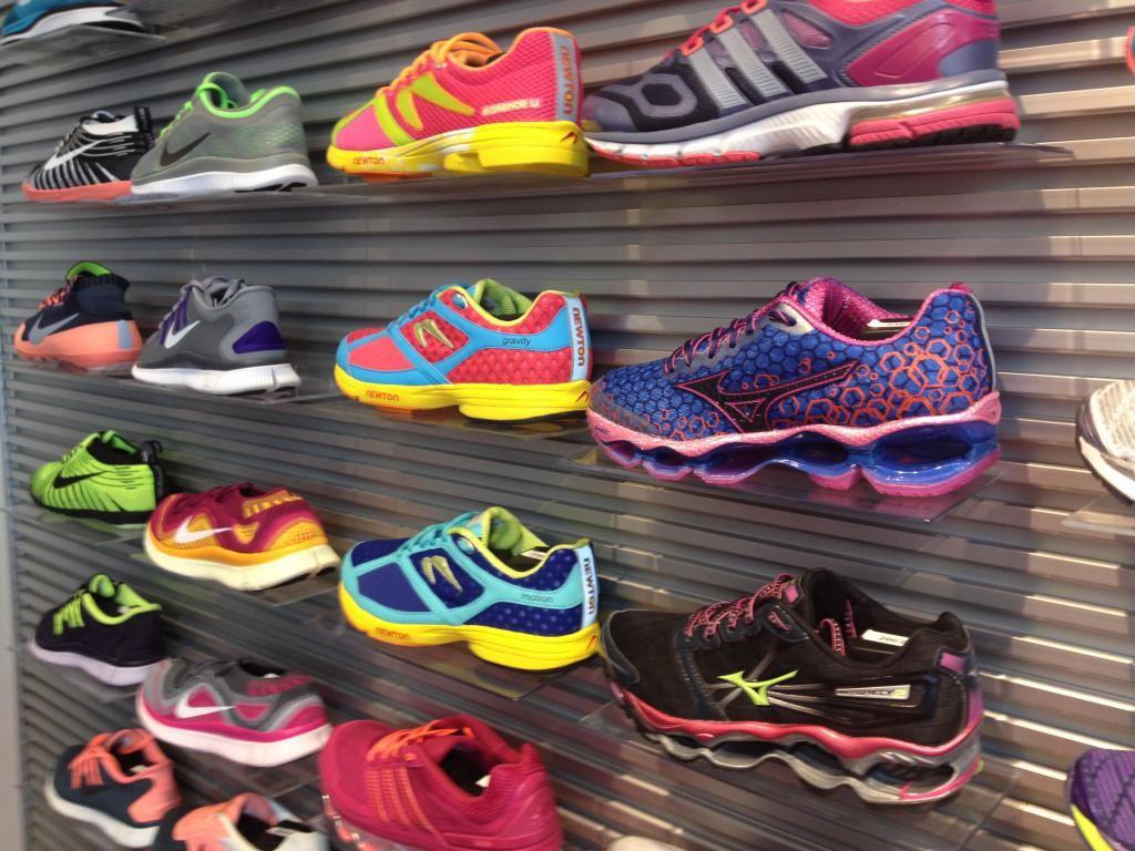 Революция на рынке обуви: Zappos начал продавать обувь не только парами, но и поштучно