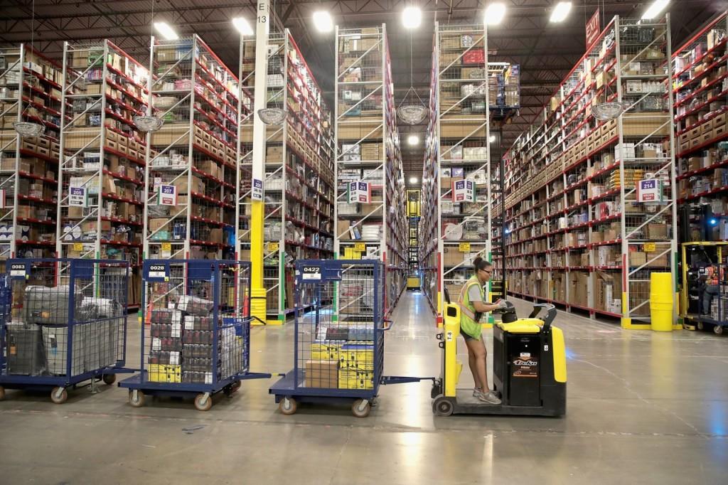 Amazon откроет 1,5 тысячи новых складов и раздел luxury в приложении