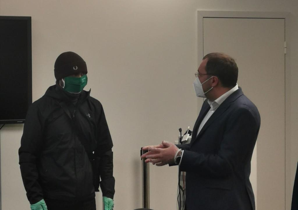 Фото переговоров с бастующими из офиса Mail.ru Group: штрафы не отменим, но сделаем более справедливыми