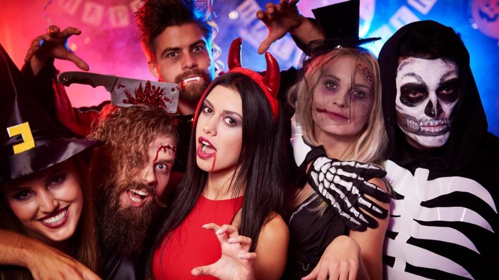 Россияне готовятся к Хэллоуину