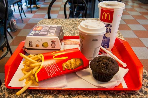 Разделят курьеров и посетителей: McDonald's намерен увеличить продажи благодаря новому формату