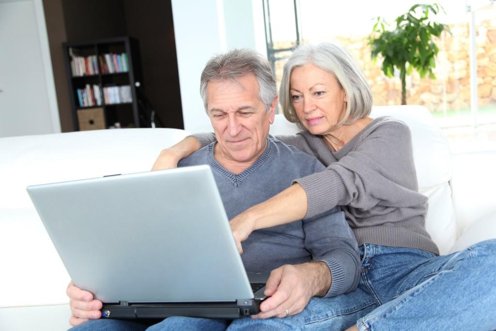 Самые дорогие покупки в Интернете делают россияне в возрасте 51 - 60 лет