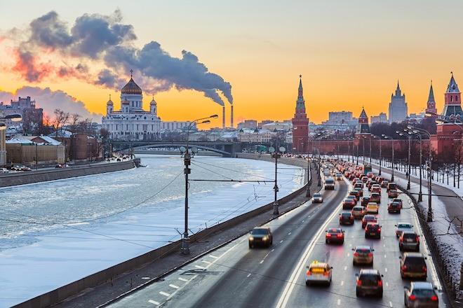 Морозы повысили спрос на доставку продуктов в Москве
