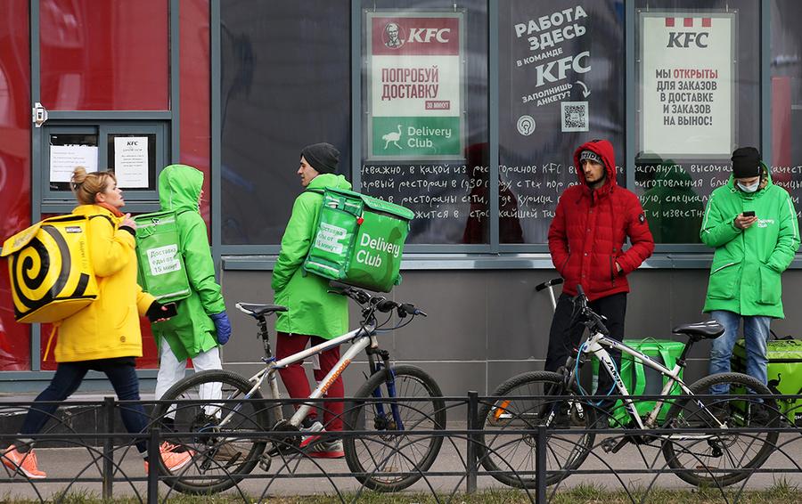 Подножка от Сбера? Или Яндекс.Еда действительно не растет в Москве?