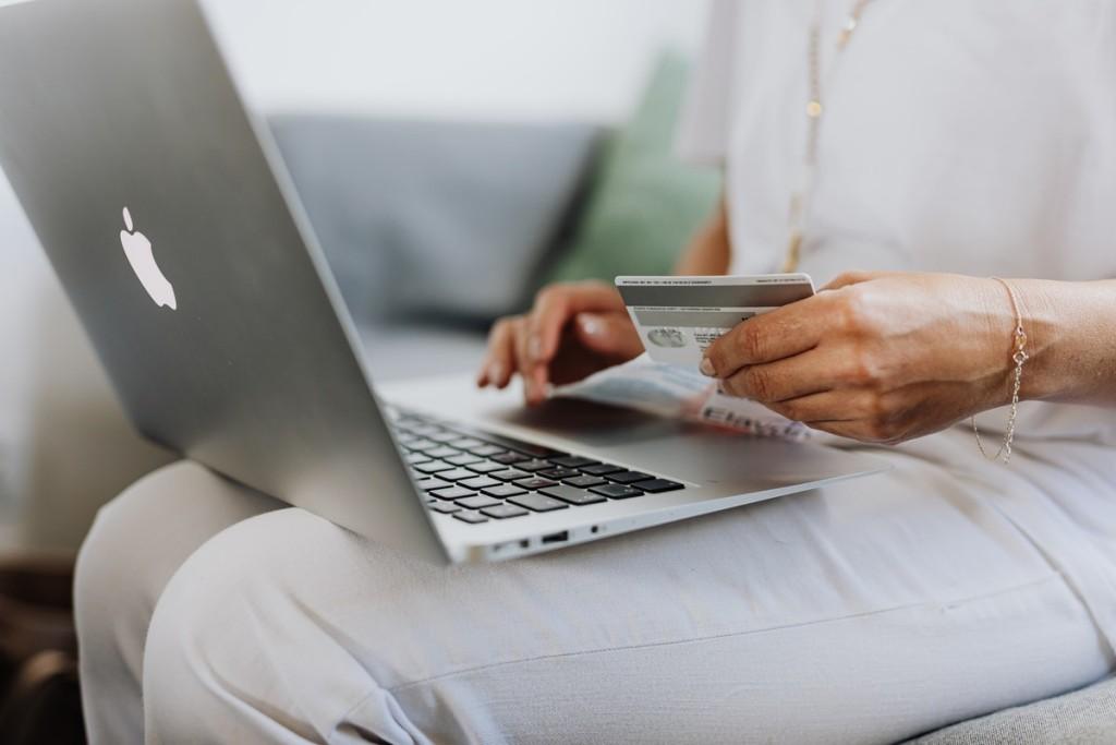 COVID полностью изменил потребительский рынок: российские покупатели не хотят возвращаться в оффлайн