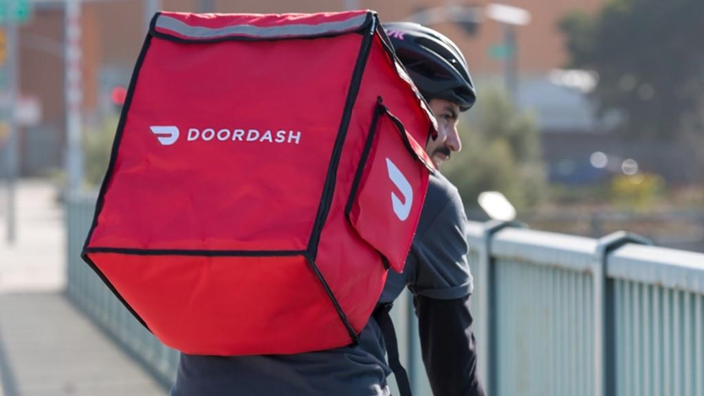 Курьеры сервиса доставки еды DoorDash подняли себе зарплату, обхитрив алгоритм приложения