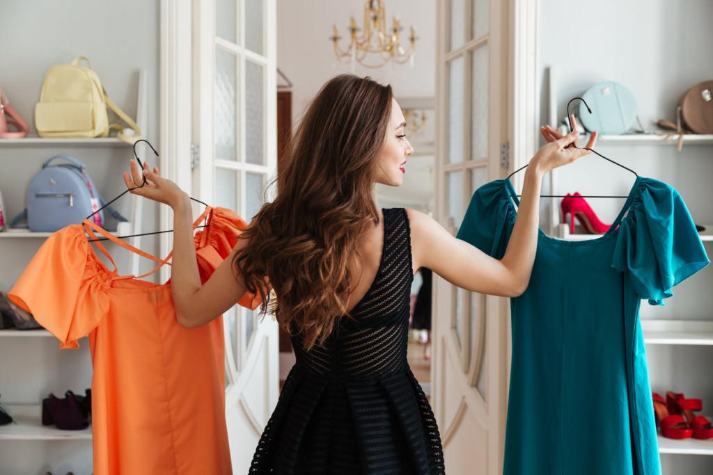 Вернула в интернет-магазин ношеную одежду вместо новой. Теперь ей грозит 5 лет тюрьмы