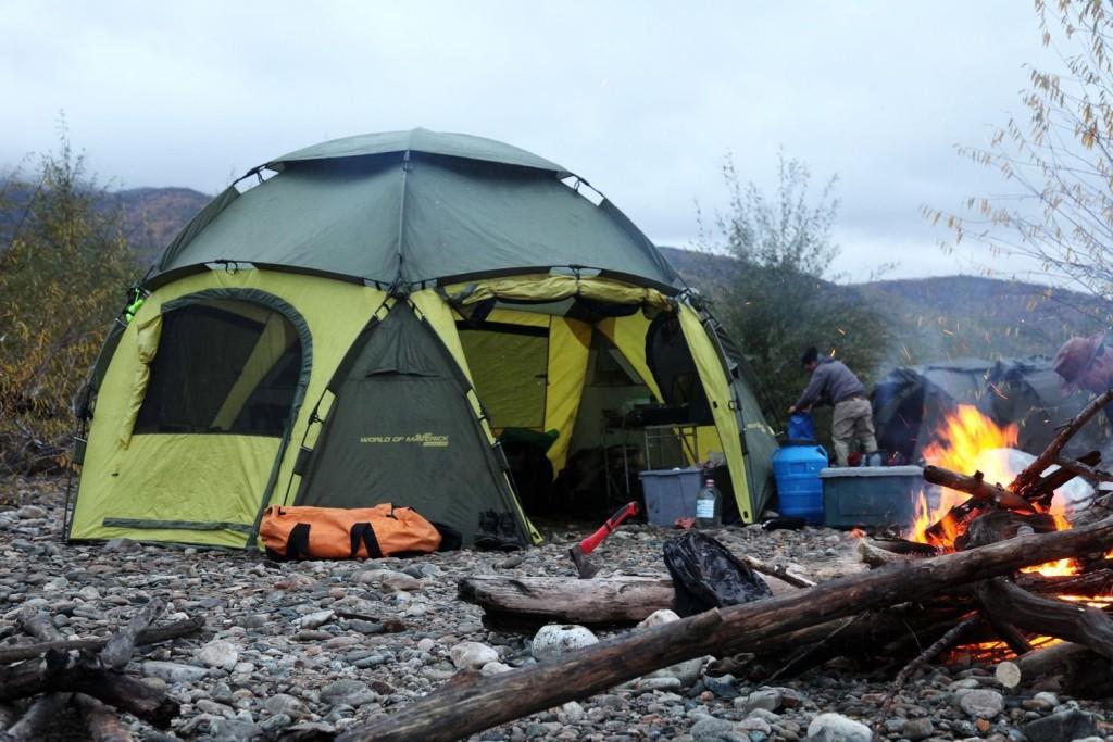 Wildberries: россияне закупаются палатками и удочками
