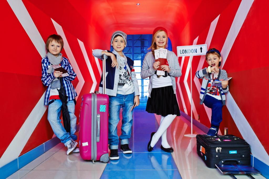 Бренд детских товаров Acoola представил в России сервис подписки на одежду