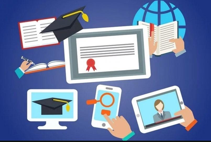 Ecommerce наоборот: крупнейшая российская онлайн-школа начала продавать свои курсы в коробках через офлайновый магазин (ФОТО)