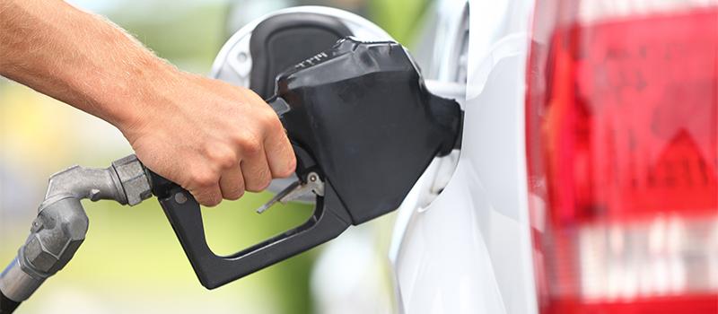 В Москве, Петербурге и Сочи появилась подписка на бензин и заправку без водителя (ФОТО)