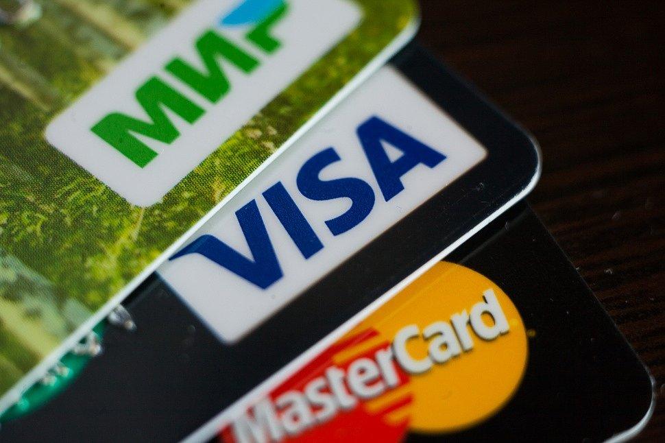 """Пока Visa и Mastercard угрожают банкам миллионным штрафом, карта """"Мир"""" стала самой популярной на Wildberries"""