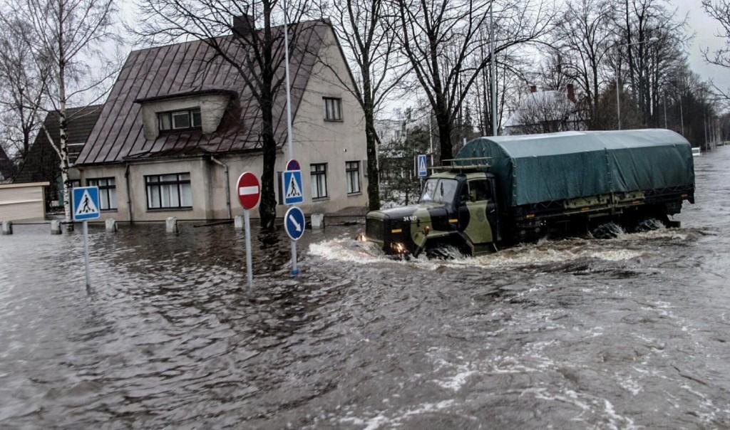 """""""Черной пятницы"""" не будет? Наводнения в Китае и Европе разрушило цепочки поставок для всего мира"""